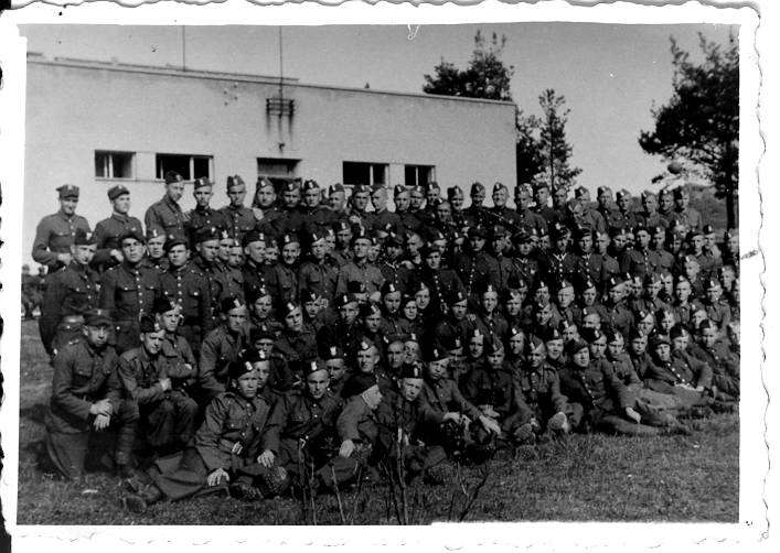 1-kompania-poborowych-bukowka-v-1947.JPG