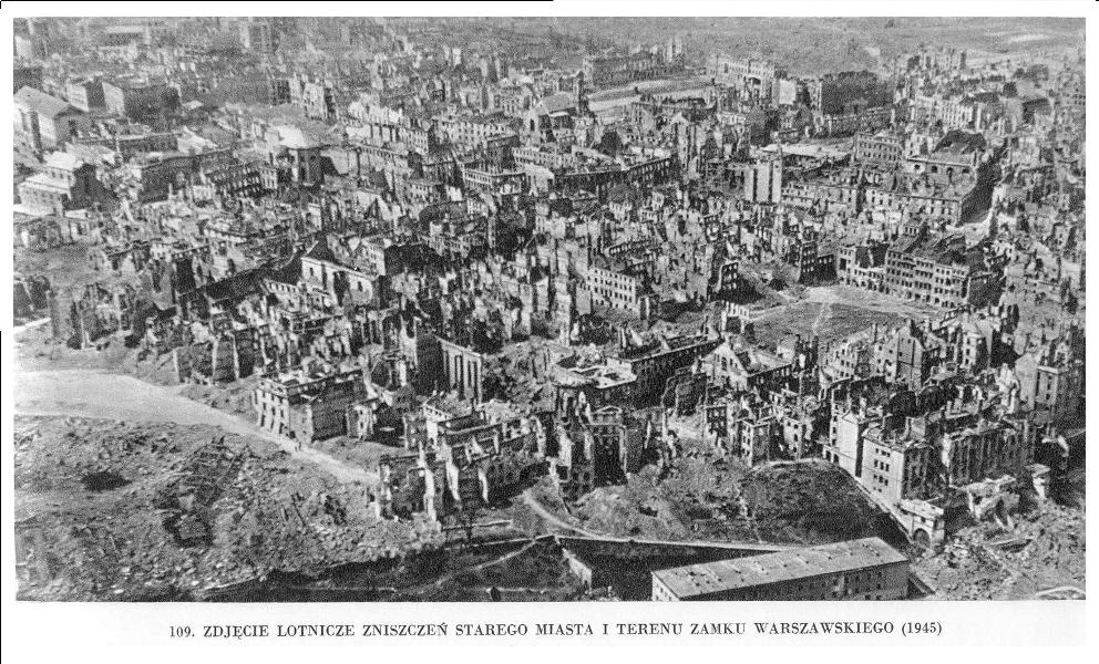 31zdjcie-lotnicze-starego-miasta-i-terenu-zamku-1945.png