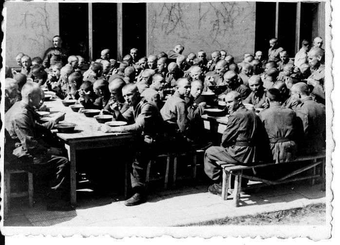 4-obiad-kielce-bukowka-vi-1947.JPG