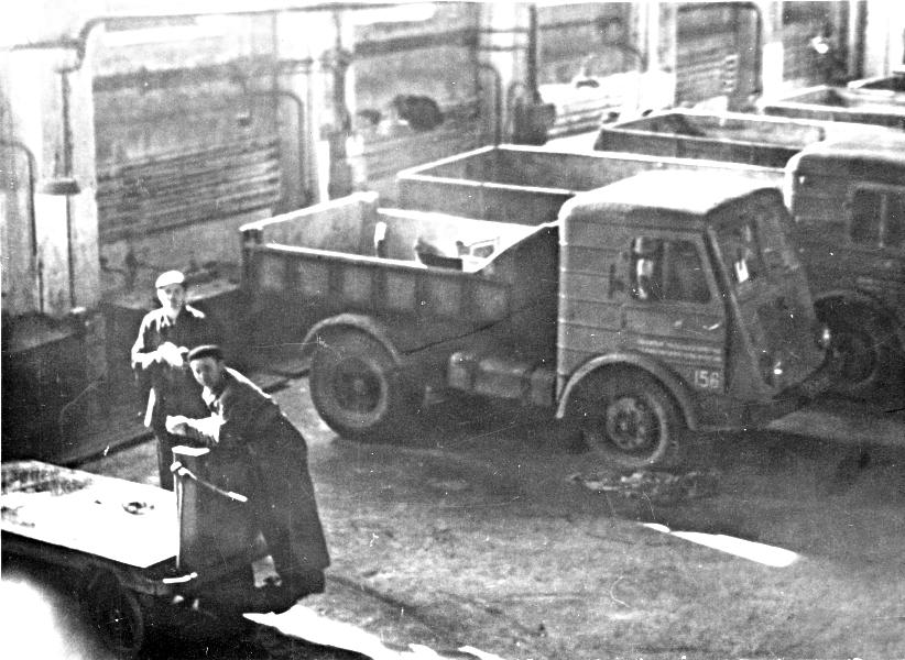 warsztaty-samochodowe-baza-nr-2-lata-70-te.png
